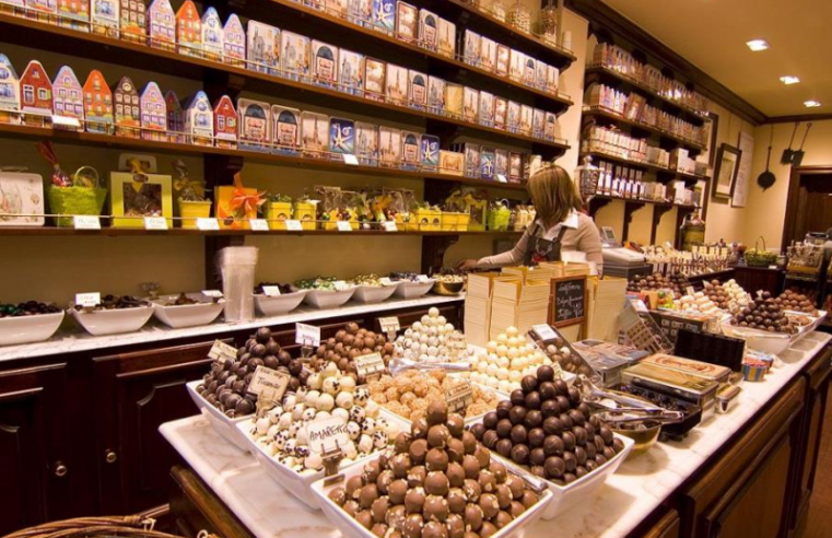 Buy And Resell Chocolates Like A Pro: Check This Guide!