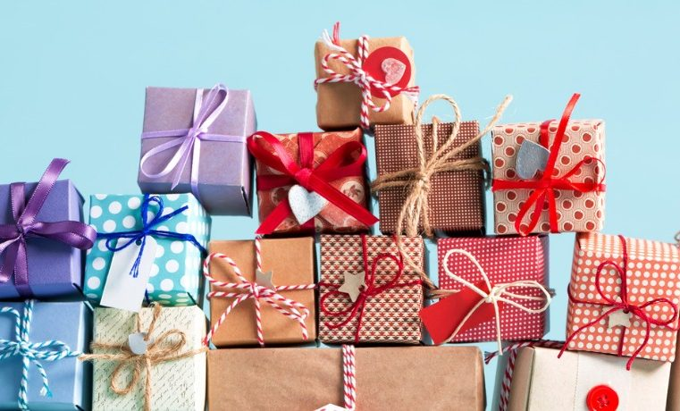 Choosing the Perfect Holiday Gifts for you Loved Ones, Colleagues, and Friends
